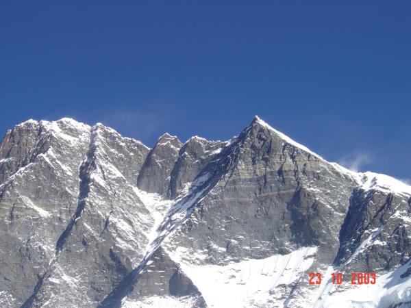 Pohled na Lhotse Šar.