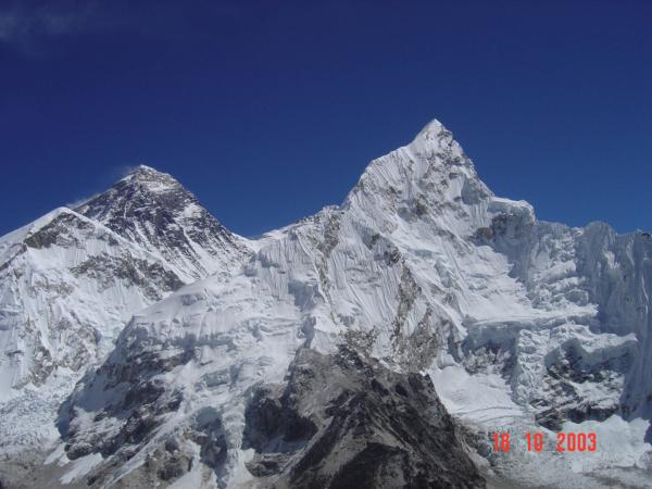 To jsou pohledy - vpravo Nuptse, v pozadí Everest i s jižním sedlem.