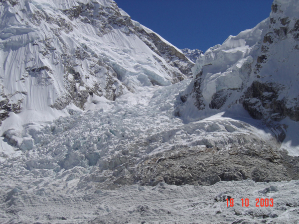 Ledopád Khumbu cestou do Everest B.C.