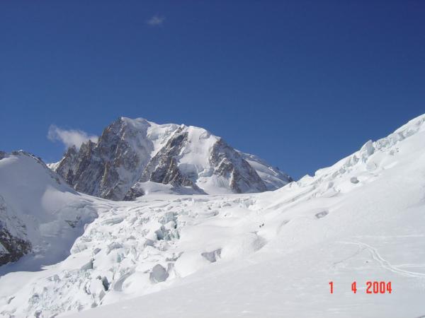 Musíme nějak prokličkovat přes ledovec.