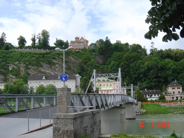 Ve vesnici Niederranna přejíždíme Dunaj.