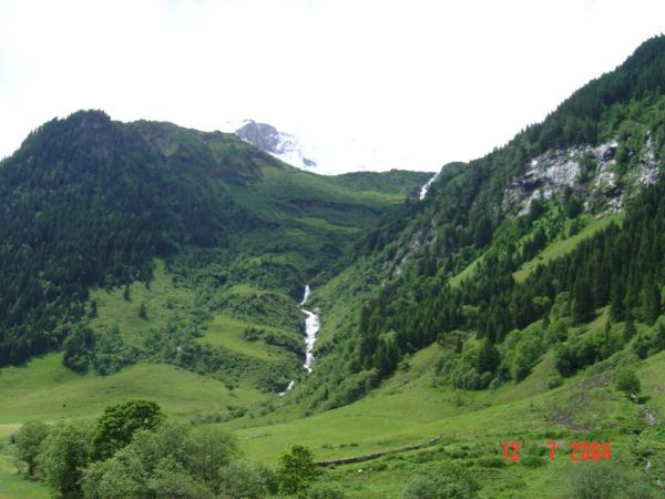 Horský potok - skoro vodopád.