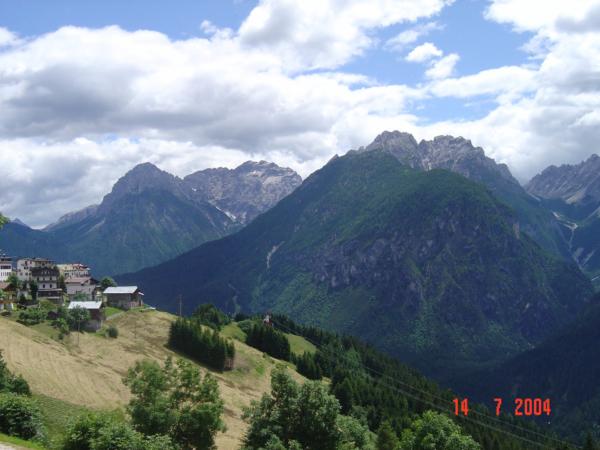 Hranice do Rakouska překračujeme v sedle Plöckenpass.