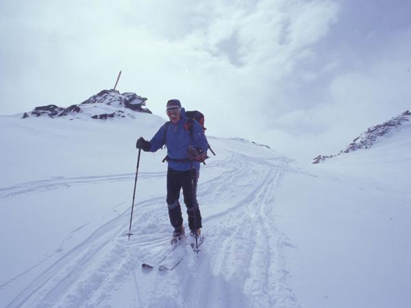 Po ledovci Hochjoch už to nejede - musíme šlapat.
