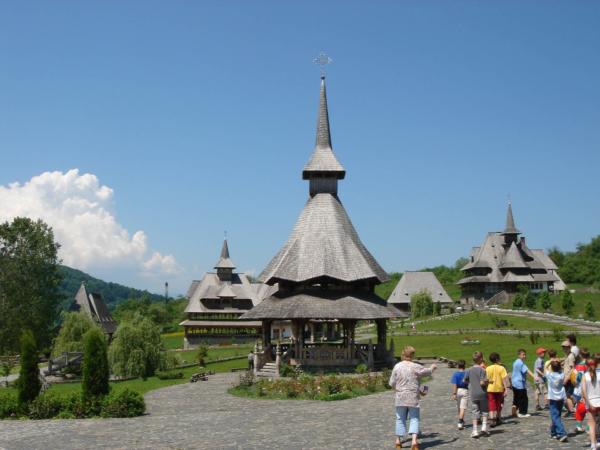 Areál staveb typických pro Maramureš - pojatý jako skansen či muzeum.