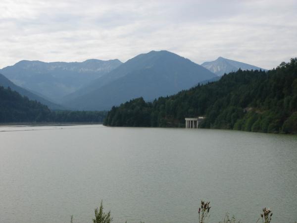 A teď jsme u jezera Sylvensteinsee
