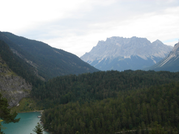 Z Fernpassu zhlížíme na jezero Fernsteinsee.