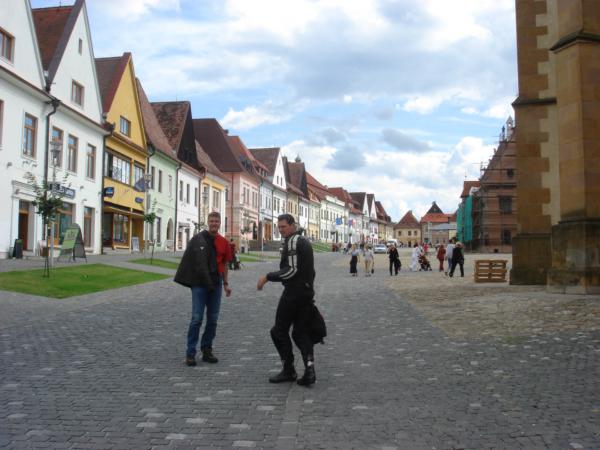 Hlavní náměstí v Bardejove - hledáme něco k obědu
