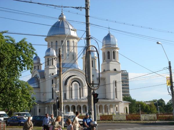 Kostel  cestou do Satu Mare