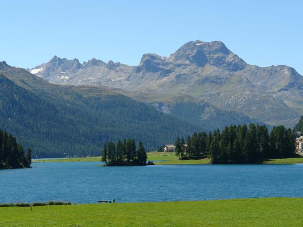 Jezero Silvaplane - těsně před St. Mořicem