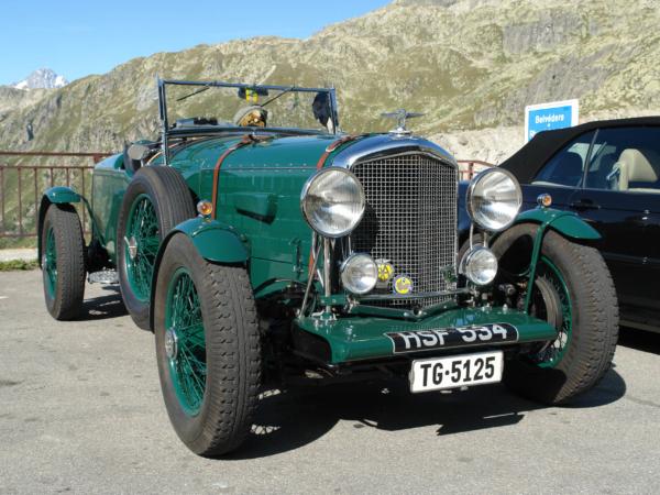 Například tento Bentley.