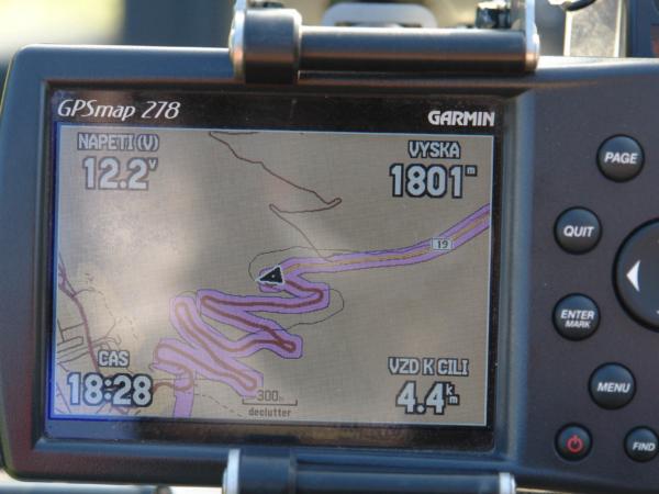 Jak naši cestu ze sedla dolů zaznamenala GPSka.