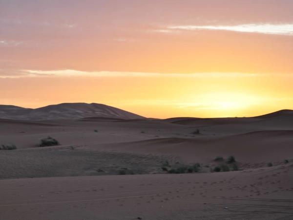 Východ slunce nad Erg Chebbi
