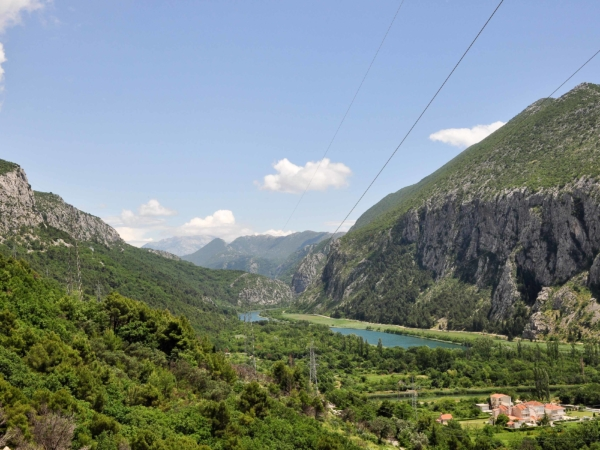 Cesta z Omiše údolím řeky Cetina - směr dálnice a domů...
