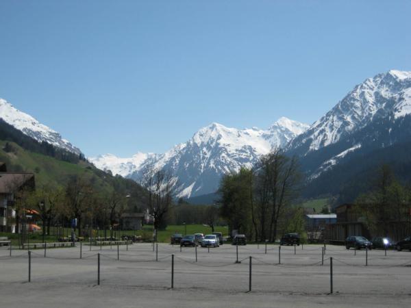 Je po sezóně - prázdné parkoviště v Klosteru