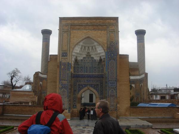 První zastávkou je Guri Amir mausoleum.