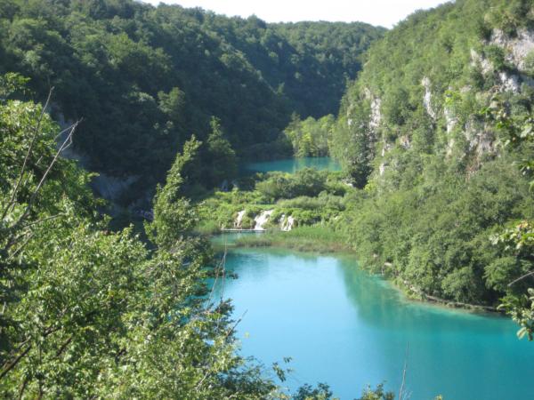 Pohled na zelenkavá jezera