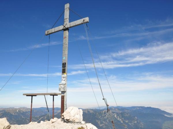 Nezbytné foto vrcholového kříže - Alpspitze - 2628 m.