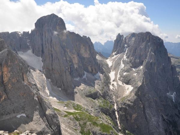 Pohled na vrcholky skupiny Pala.