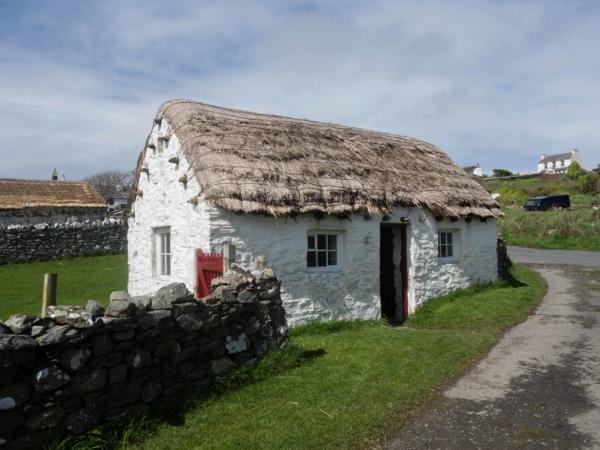 Domek na vesnici - dnes jako museum - prý tam bydlelo i přes 10 lidí...