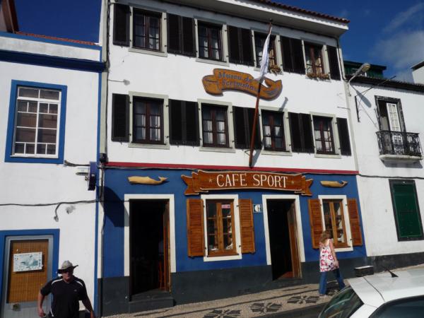 Peters Cafe - prý jeden z  10ti nejslavnějších barů světa.