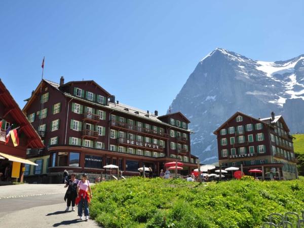 Odtud se pozorovaly výstupy severní stěnou Eigeru