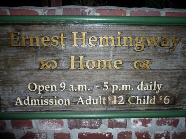 Na Key Westu, večer u domu, kde nějaký čas bydlel Hemingway.