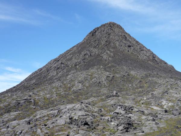 Vrcholvý kužel - necelých 100 m výškových.