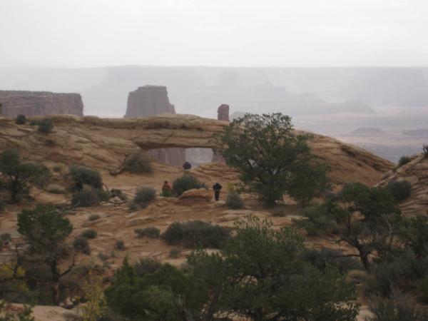 Blížíme se k místu zvaném Mesa arch