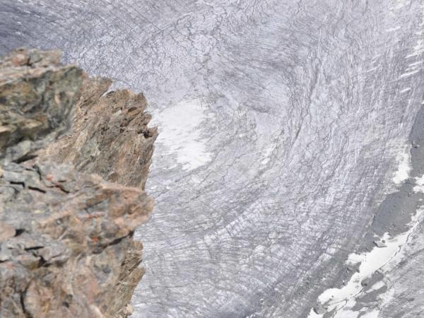 Pohled na ledevec pod Klein Matterhornem