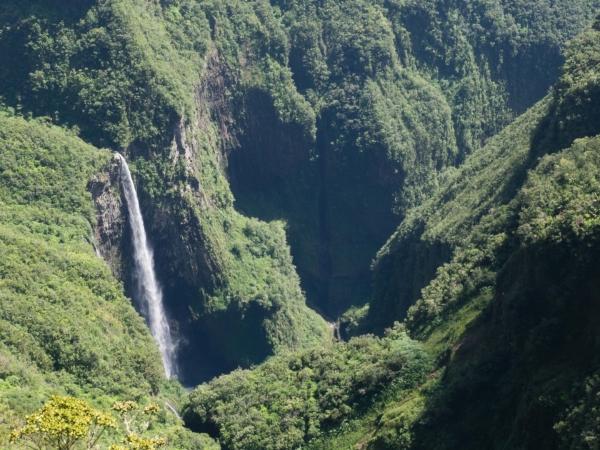 Vodopád má okolo 200m