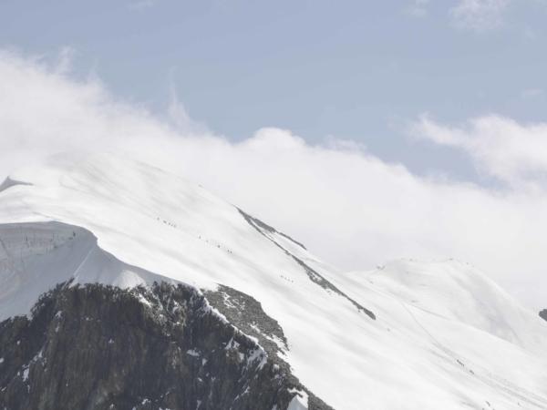 Šňůra lidi na Breithorn