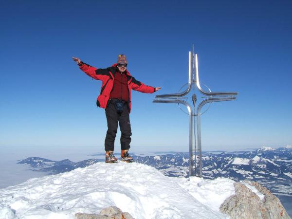 Petr u vrcholového kříže.