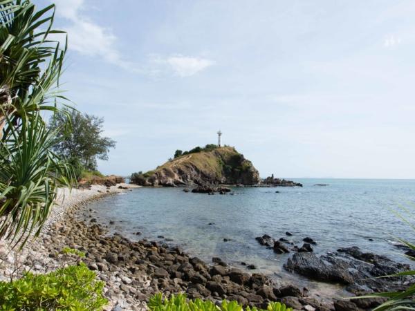 Na jihu Ko Lanty je národní park s krásnou pláží a majákem.