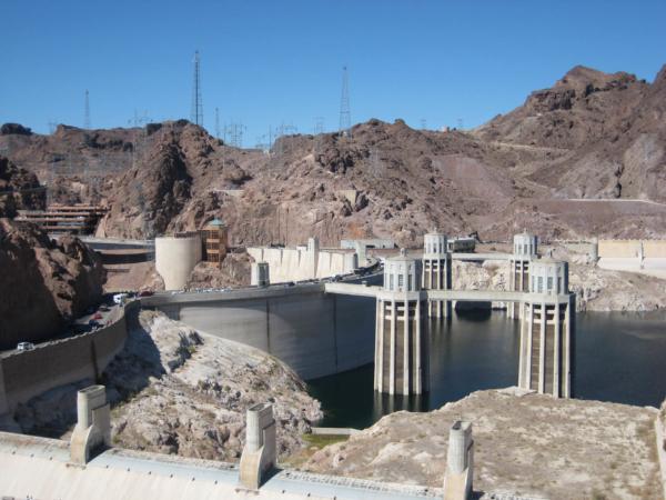 Celkový pohled na přehradu, tentokrát už z Arizony.