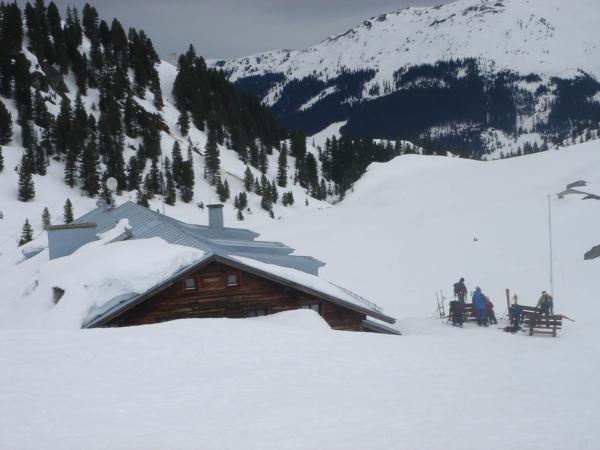 A jsme zpátku u Bambegrer Hütte, balíme a jedeme dolů k autu.