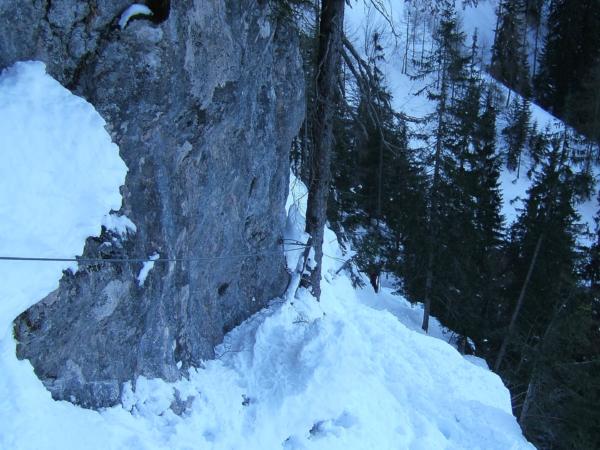 Jedno místo na cestě na nebo z Hoher Göllu je mírně exponované.