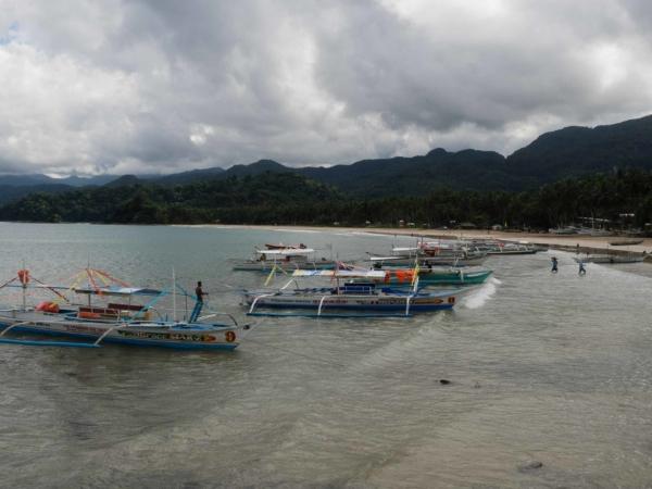 Sabang - odtud vyplouvají lodě k národnímu parku Subterranean River.