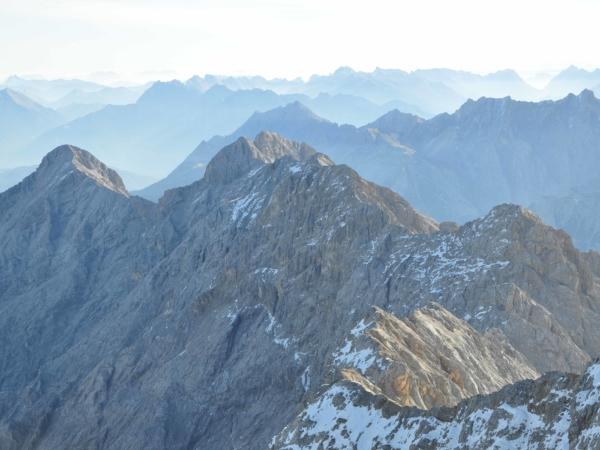 Ještě jednou vrcholový hřeben vedoucí na Alpspitze.
