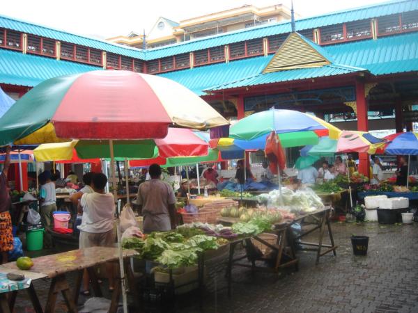 Na trhu ve městě. Tady nás to vždy baví.