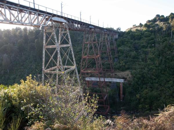 Most přes údolí Taieri je z roku 1859.