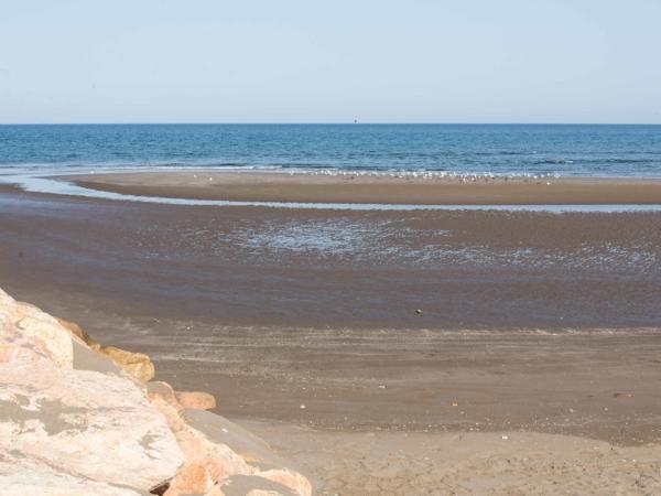 U moře ve městě Quriyat.