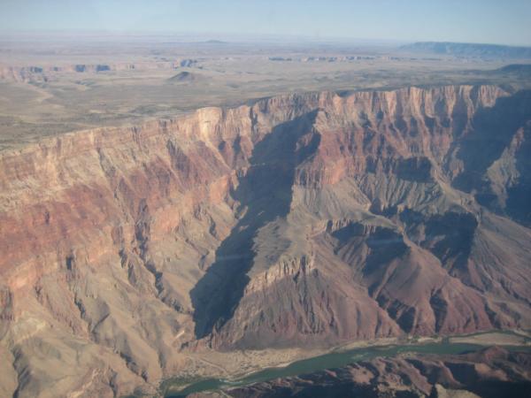 Další pohled na Grand Canyon a řeku Colorado.