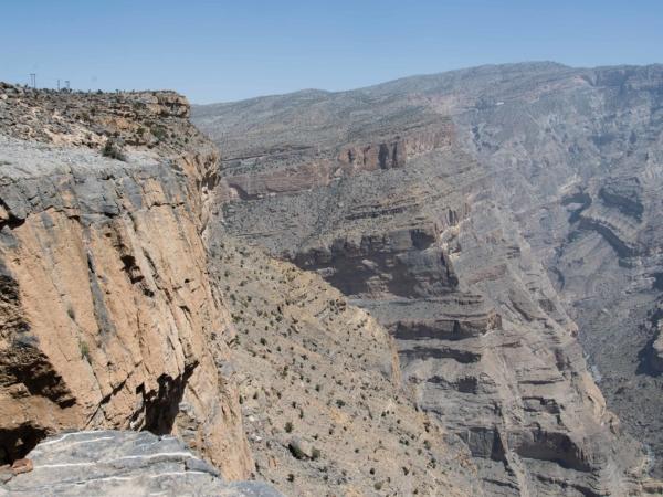 Pohled na Jebel Shams - nejvyšší hora v Ománu - 3009 m.
