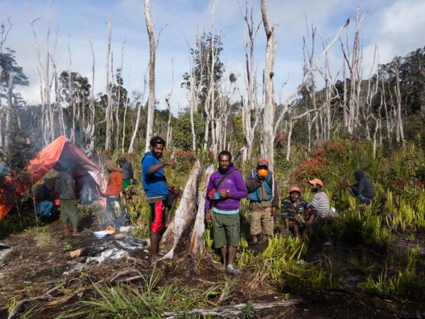Poslední nocleh v džungli. Zítra už budeme ve Wameně.