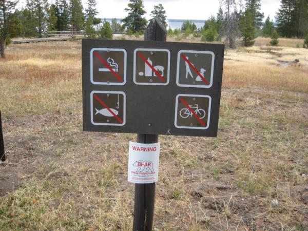 To jsem fotil zejména kvůli varování před medvědy.