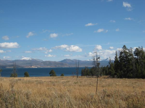 Poslední pohledy na Yellowstone Lake.