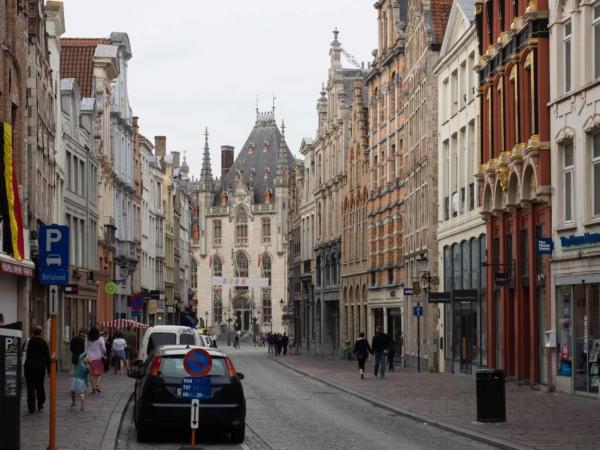 Toulky po historickém centru Brugg.