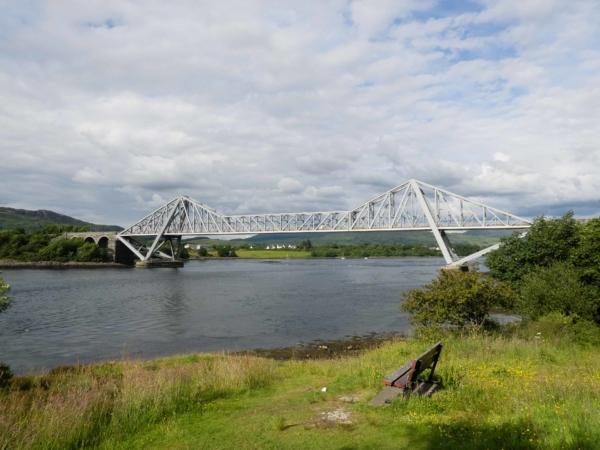 Conel Bridge před městem Oban.