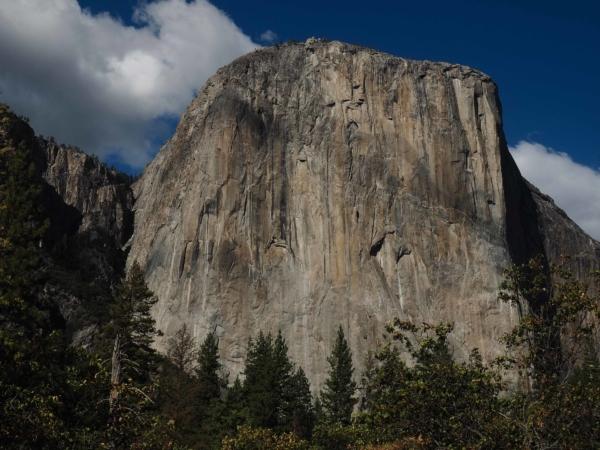 Na této stěně se psala historie skalního lezení.